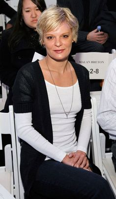 """The hilarious and talented star of """"Raising Hope,"""" Martha Plimpton Martha Plimpton, Raising Hope, Hair Dos, People, Hilarious, Teacher, Star, Ideas, Up Dos"""