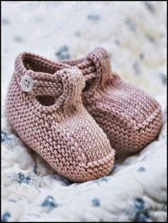 Knit Baby Booties Patterns – Knitting And We Baby Booties Knitting Pattern, Knit Baby Shoes, Crochet Baby Booties, Baby Knitting Patterns, Baby Patterns, Knitted Baby, Hat Crochet, Crochet Dolls, Doll Patterns