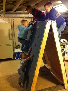 How fun would this be outside in the yard, for the kids who are avid climbers!