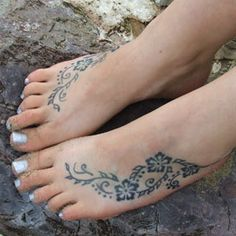 Fake 10-15 days lasting tattoos. It is not Henna. The result is a blue-black tattoo pretty much like real ones. Haven't tried it yet, but sure will! And most important of all, seems safe as for what I've read online.