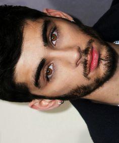 He is wowwwww Zayn Malik Photoshoot, Zayn Malik Pics, One Direction Zayn Malik, Zayn Mallik, Beautiful Men Faces, Beautiful Boys, Zayn Malik Style, Music Competition, Liam Payne