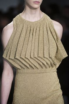 Amaya Arzuaga Fall gold dress with diagonal folded flap detail - fabric manipulation; Origami Fashion, 3d Fashion, Fashion Fabric, Fashion Details, Hijab Fashion, Fashion Design, Dress Fashion, Fall Fashion, Fashion Trends
