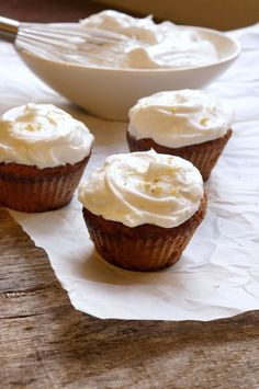 First Birthday Applesauce Cupcakes (Grain-free, Dairy-free, Nut-free, Oil-free) | Detoxinista