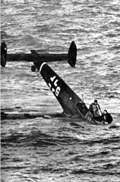 Germany at war Signal magazine 1940 German light bomber shut down in the Channel during the summer 1940 The Battle of Britain Luftschlacht um England. Luftwaffe, Ww2 Aircraft, Military Aircraft, Nose Art, Panzer Iv, Photo Avion, Ww2 History, History Photos, Ww2 Pictures