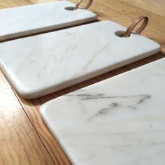 Planche à découper marbre blanc par SantaPacienciaDesign sur Etsy