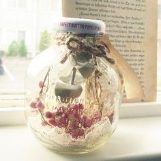可愛い瓶を、お部屋のインテリアに。マルティネリの空き瓶活用法|MERY [メリー]