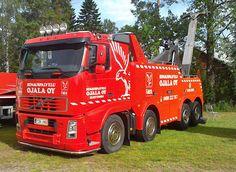 VOLVO FH tow wrecker truck