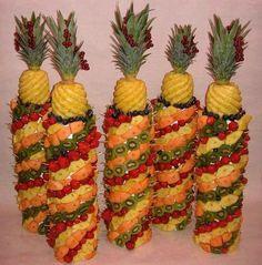 Frutta a go go xxx Food Centerpieces, Fruit Decorations, Food Decoration, Fruit Tables, Fruit Platter Designs, Deco Fruit, Fruit Appetizers, Fruit Skewers, Edible Creations