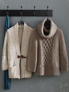 Anziehen und wohlfühlen könnte das Motto für diese beiden edlen Strickteile lauten. Wir verraten Ihnen, wie Sie den Pulli und die Jacke