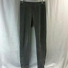 Sweatpants Very soft sweatpants a gray color HUE Pants Track Pants & Joggers