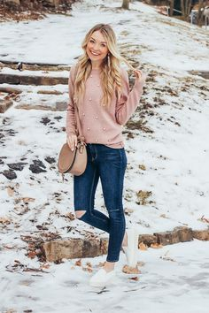 Valentine's Day outfit // casual Valentine's Day outfit // pearl // sweater // pink sweater // distressed jeans // sneakers // white sneakers // cute purse // tassel earrings // rose gold earrings // Winter outfits // outfit ideas Valentinstags Outfits, Cold Day Outfits, Valentine's Day Outfit, Girly Outfits, Outfit Of The Day, Casual Outfits, Fashion Outfits, Classy Outfits, Modest Outfits