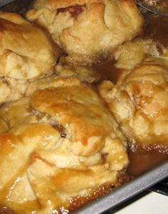 Dessert doesn't have to be fancy to be good, these Trisha Yearwood Apple Dumplings are always tasty and super easy! Trisha Yearwood Apple Dumplings Category: Dessert Cuisine: American Dessert doesn't have to be fancy to be good, these Trisha Brownie Desserts, Köstliche Desserts, Delicious Desserts, Yummy Food, Fruit Recipes, Apple Recipes, Fall Recipes, Dessert Recipes, Plated Desserts