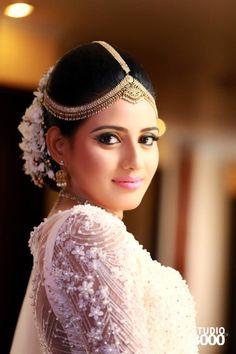 Sri Lankan Wedding Saree, Sri Lankan Bride, Saree Wedding, Wedding Bride, Bridal Sarees, Bridle Dress, Bride Costume, Bride Portrait, Bridal Blouse Designs