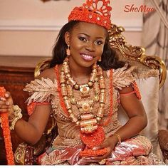 Faith Sakwe Elizabeth looks absolutely breathtaking in her regal traditional attire on her wedding day. The talented Makeup artist, Elaine Shobanjo did an excellent job. The beautiful daughter of President… African Men Fashion, African Dresses For Women, African Attire, African Wear, African Women, African Clothes, African Style, African Beauty, Nigerian Bride