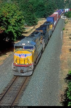 RailPictures.Net Photo: UP 4334 Union Pacific EMD SD70M at Mosier, Oregon by Indecline