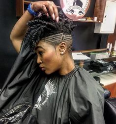 Dope cut via - Black Hair Information Shaved Side Hairstyles, Mohawk Hairstyles, My Hairstyle, Haircuts, Afro Hair Style, Curly Hair Styles, Natural Hair Styles, Braids With Shaved Sides, Tapered Natural Hair