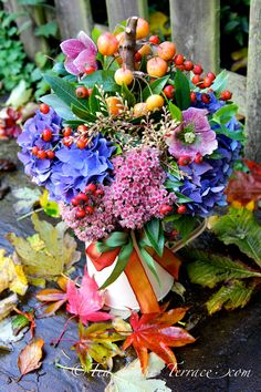 Autumn Garden Bouquet. I wonder if all these flowers actually flower in autumn.