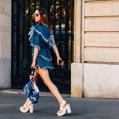 Marques' Almeida asymmetric top at its best on Paris Fashion Week / деним Marques ' Almeida на неделе моды в Париже ✨ #sprezzatura #thesprezzaturacom #marquesalmeida #PFW #streetstyle