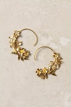 Agrippina Hoops, gold earrings in a Greek or Roman style Gold Jewelry, Jewelry Box, Diamond Earrings, Jewelry Accessories, Fashion Accessories, Fashion Jewelry, Dangly Earrings, Jewellery, Steampunk Fashion