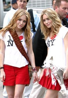 Shop 11 Of Mary-Kate and Ashley Olsen's Most Memorable Onscreen Looks