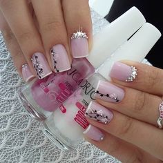 Best Nail Art Designs 2018 Every Girls Will Love These trendy Nails ideas would gain you amazing compliments. Check out our gallery for more ideas these are trendy this year. Elegant Nail Designs, Flower Nail Designs, Best Nail Art Designs, Elegant Nails, Stylish Nails, Trendy Nails, Jolie Nail Art, Nails Design With Rhinestones, Pink Nails