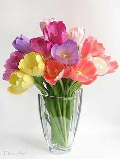 Lovely spring arrangement of tulips. Clay Flowers, Sugar Flowers, Paper Flowers, Balloon Flowers, Flower Images, Flower Photos, Flower Art, Arrangements Ikebana, Floral Arrangements
