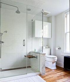 Einrichtungstipp für ein kleines Bad: Transparente Dusche