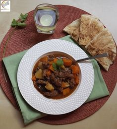 http://www.akla7elwa.com/index.php/recipes/main-dishes/573-beef-stew