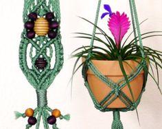 Groovy Purple Macrame Hanging Planter Hot por LittleMarvelDesigns