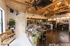 SURFER'S HOUSE with BARBER | カリフォルニア工務店 Garage House, Studios, Barber Shop, Salons, Woodworking, California, Interior Design, Room, Shopping
