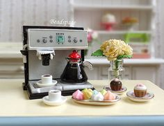 Dollhouse Miniature Coffee Set, Coffee Machine, Expresso, Cupcakes, High Tea, Dolls Fake Food, Kitchen, Cafe, 1:12 scale