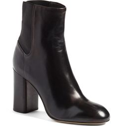 Free shipping and returns on rag & bone Agnes Bootie (Women) at Nordstrom.com. A classic almond-toe bootie crafted from premium Italian leather features a chunky stacked heel and a smart elastic panel at the back for easy style and effortless on and off.