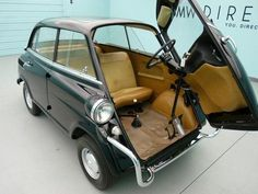 1959 BMW Isetta this car looks awesome I really want one