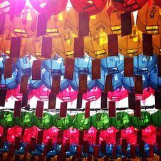 "@Graham Budd's photo: ""Lanterns in the sun. Seoul Lantern Festival, Insadong. #korea #southkorea #sun #sky #yellow #red #blue #pink #한국 #visitkorea #epikphotocontest"""