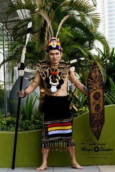 Elexson Nillian Mr DAYAK PRIDE BHF 2014 Photo credit:MAGIC SHUTTER Subsidiary Title@Borneo Hornbill Festival 2014