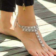 Bohemian Metal Flower Beach Barefoot Sandals Anklet ($4.62) ❤ liked on Polyvore featuring jewelry, white, beach anklets, beachy jewelry, flower jewelry, white jewelry and beach jewelry