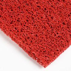 Pavimento PVC Degofil color rojo - El Degofil es el nombre comercial de un recubrimiento de filamentos de vinilo muy económico perfecto para lugares de mucho tránsito. #MWMaterialsWorld #red #rojo #revestimiento  #montajes #decoracion #degofil