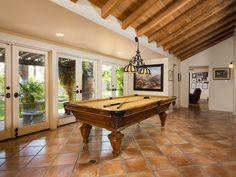 Spanish style Spanish Colonial Homes, Spanish Style Homes, Spanish House, Hollywood Homes, Hollywood Star, Classic Hollywood, Hacienda Homes, Gable House, Rich Home