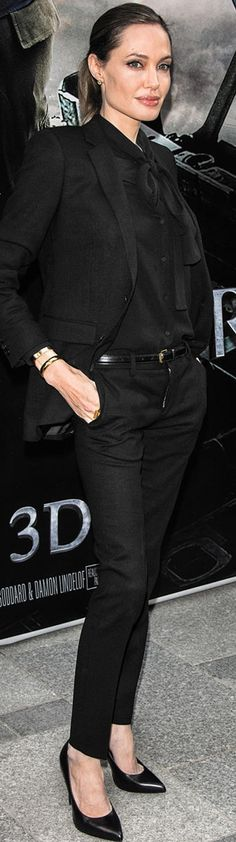 casual style inspiration from Angelina Jolie: all black outfit. Fashion Mode, Office Fashion, Work Fashion, Womens Fashion, Jolie Pitt, Le Jolie, Shiloh Jolie, Angelina Jolie Style, Moda Outfits