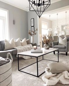 Check this 8 cheap things to maximize your small bedroom Narrow Living Room, Living Spaces, Dog Spaces, Home Decor Shops, Home Decor Items, Family Room Walls, Modern Interior, Interior Design, Photo Deco