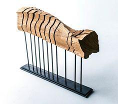 minimalistische Skulptur Holz modernes Design Stahl Konstruktion