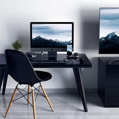 We believe that technology should be limitless, timeless, and forever evolving to fit your modern lifestyle Computer Desk Setup, Gaming Room Setup, Pc Desk, Home Office Setup, Office Workspace, Home Office Design, Best Office Desk, Interior Exterior, Interior Design