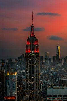 NYC illest New York City Manhattan Empire State Empire State Of Mind, Empire State Building, A New York Minute, I Love Nyc, City Aesthetic, Dream City, Concrete Jungle, World Trade Center, City Lights
