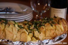 I dag skal dere få servert noe skikkelig godt! Cheddar, Pizza, Bread, Chicken, Food, Creative, Cheddar Cheese, Brot, Essen