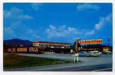 Hill-Billy Village US Highway 441 Pigeon Forge TENNESSEE *1950s AUTOS*