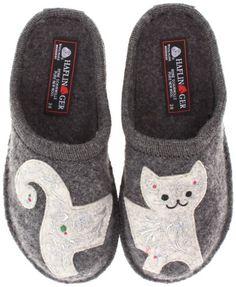 35664291f823 Amazon.com  Haflinger Women s AR Lizzy Flat  Shoes Womens Slippers