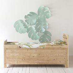REUBEN bed with gold leaf wooden moulding