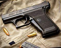 Manufacturer: Heckler & Koch Mod. P7 M8 Type - Tipo: Pistol Caliber - Calibre: 9 mm Capacity - Capacidade: Rounds Barrel length - Comp.Cano: 4 Weight - Peso: 793...