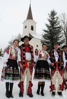 Traditional Folk Christmas in Slovakia, the national folk costumes, Ždiar area. Zdiar is a picturesque place in the Tatra National Park. Costumes Around The World, Art Populaire, Heart Of Europe, Ville France, Mode Boho, Bratislava, Ethnic Dress, Folk Costume, My Heritage