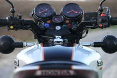 When the Honda CBX was released in 1978 it was almost immediately compared favourably to the Vincent Black Shadow - both bikes were the fastest in the Vintage Honda Motorcycles, Honda Bikes, Vincent Black Shadow, Cb Cafe Racer, Honda Cbx, Biomechanical Tattoo, Mini Bike, Sport Bikes, Custom Bikes